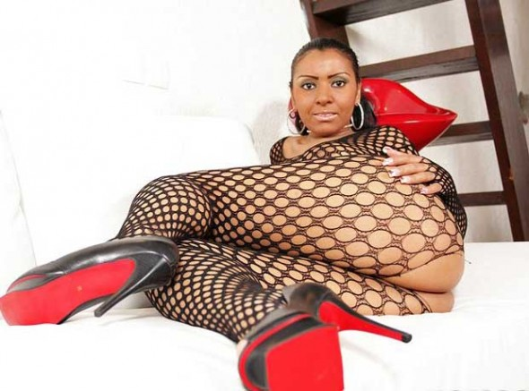 Big-Ass-Black-Woman-Enjoy-Anal-Sex