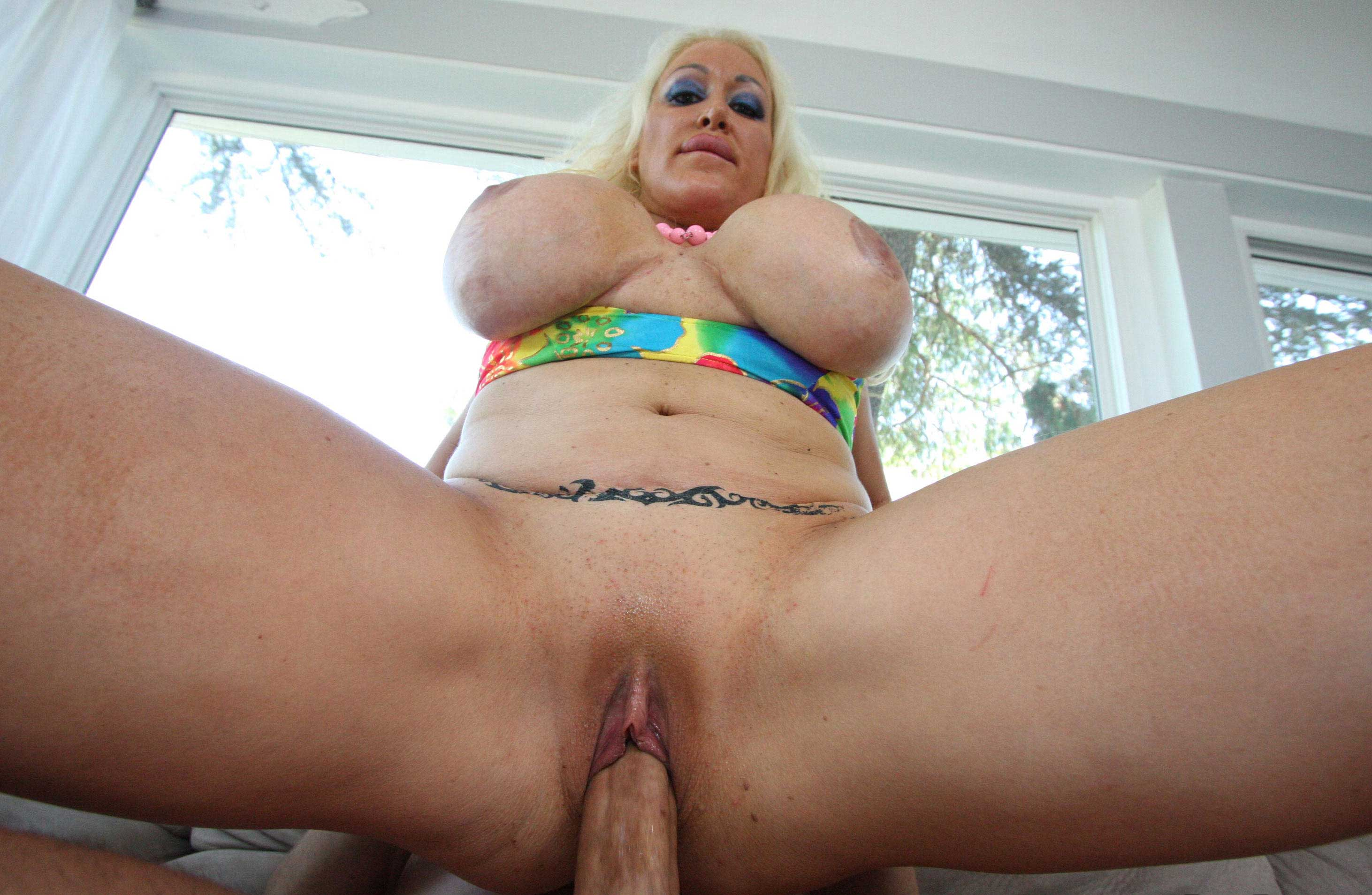 Mature huge tits sex