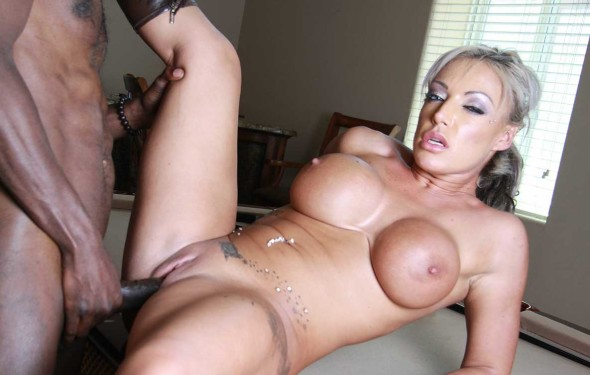 MILF Loves Black Cock 2 590x375 Blonde MILF Loves Black Cock Pics